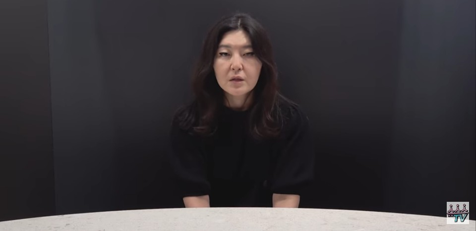 Celebrity stylist Han Hye-yeon apologizes for deceiving viewers and not providing information about paid advertisements on her YouTube channel. (YouTube)