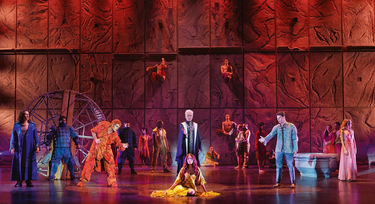 """Scene from """"Notre Dame de Paris"""" (Mast Entertainment)"""