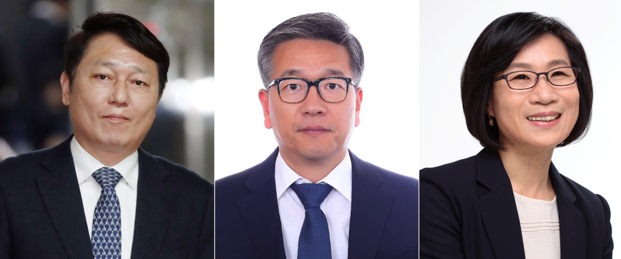 President Moon Jae-in's new secretaries. From left: Choi Jae-sung, Kim Jong-ho and Kim Je-nam. Yonhap
