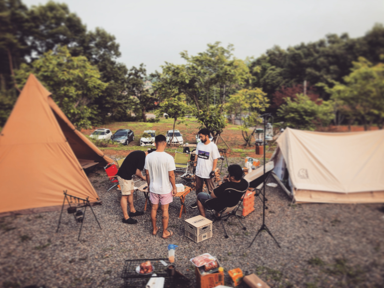 Office worker Kim Su-hyeon and his friends while camping (Courtesy of Kim)