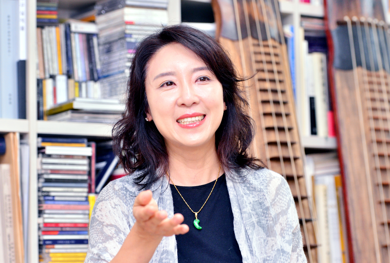 Heo Yoon-jeong, the artistic director of the 11th ACC World Music Festival, speaks during an interview with The Korea Herald held Wednesday at Seoul National University in southern Seoul. (Park Hyun-koo / The Korea Herald)