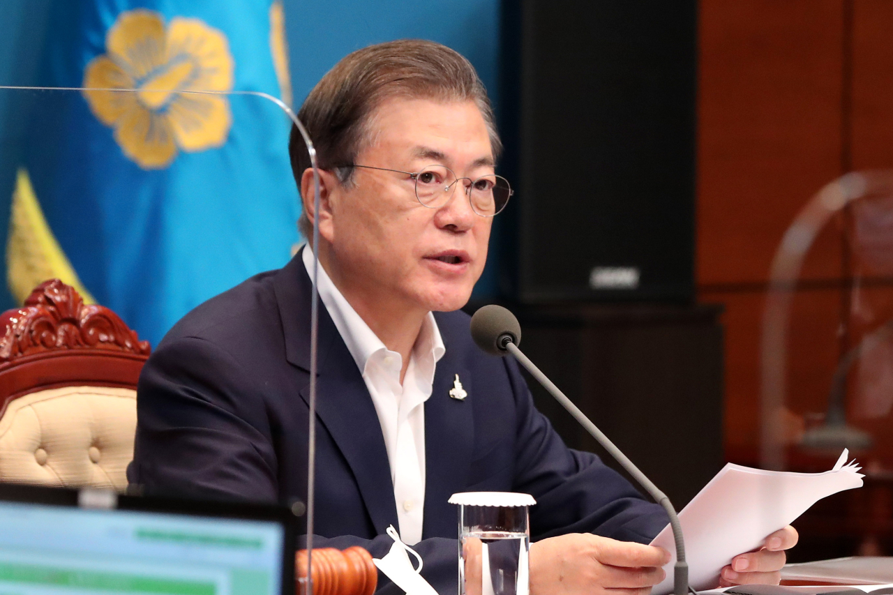 President Moon Jae-in speaks at Tuesday`s Cabinet meeting. (Yonhap)