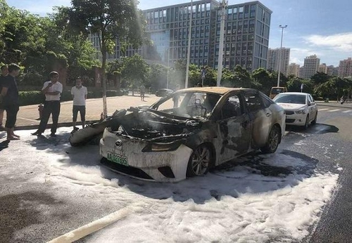 A damaged Aion S sedan (Captured from finance.sina.com)