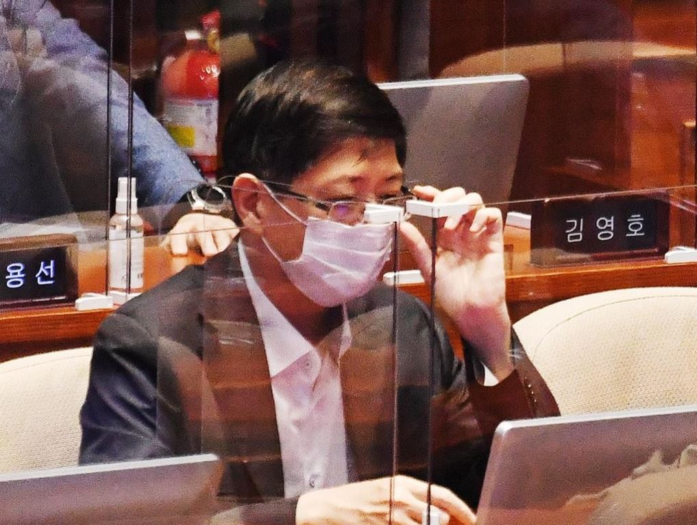 This photo taken on Sept. 16, 2020, shows Rep. Kim Hong-gul of the ruling Democratic Party at the National Assembly. (Yonhap)