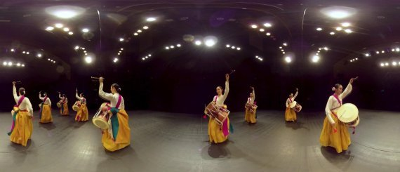 Screenshot of VR clip of traditional Korean dance (National Gugak Center)
