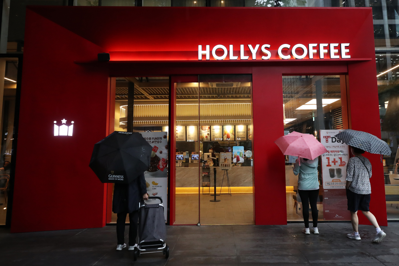 A Hollys Coffee store in Seoul (Yonhap)