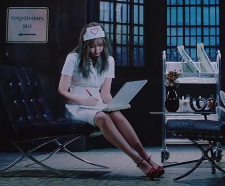 A screen capture of BLACKPINK 'Lovesick Girls' music video (YG Entertainment)