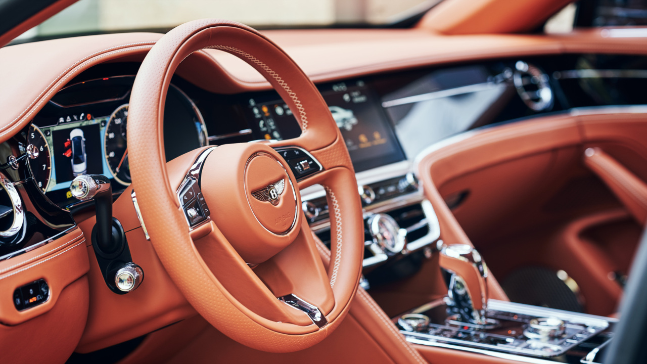 Interior of Flying Spur V8 (Bentley Motors Korea)