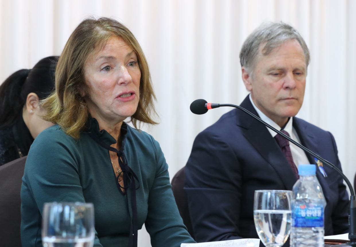 Cindy (left) and Fred Warmbier, whose son Otto died shortly after release from North Korea's custody in 2017, speaks during a press conference held Nov. 22, 2019, at Koreana Hotel in Jung-gu, central Seoul. (Yonhap)