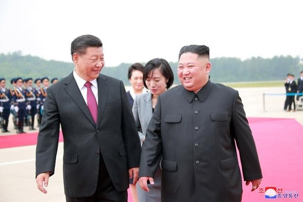 Chinese President Xi Jinping and North Korean leader Kim Jong-un (KCNA-Yonhap)