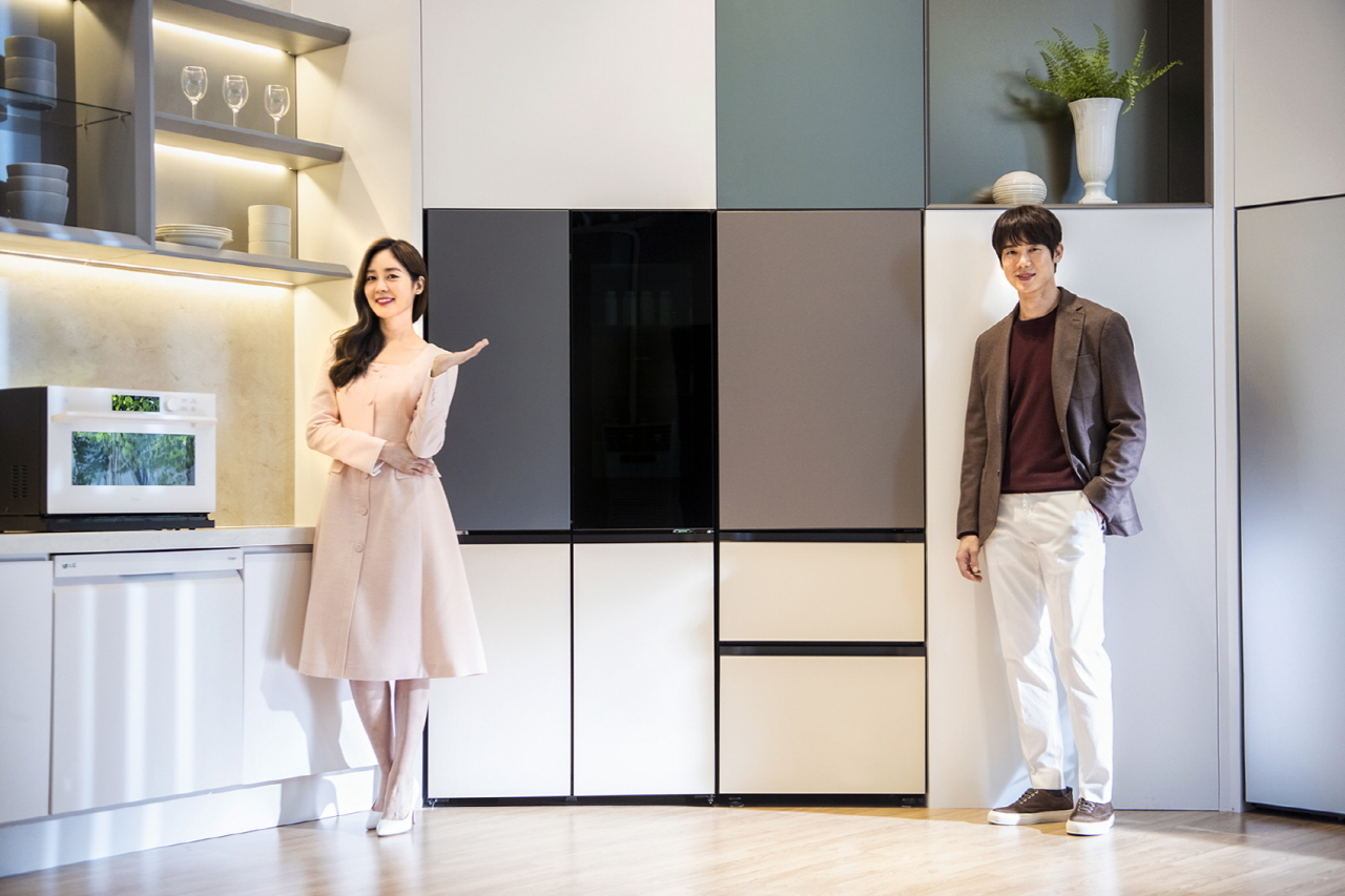 Models showcase LG Objet Collection during an online luanch show on Thursday. (LG Electronics)
