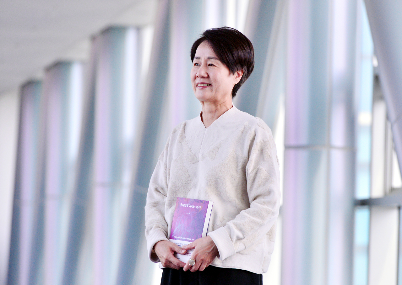 Yun Yuh-soon poses before an interview with The Korea Herald on Oct. 13. (Park Hyun-koo/The Korea Herald)