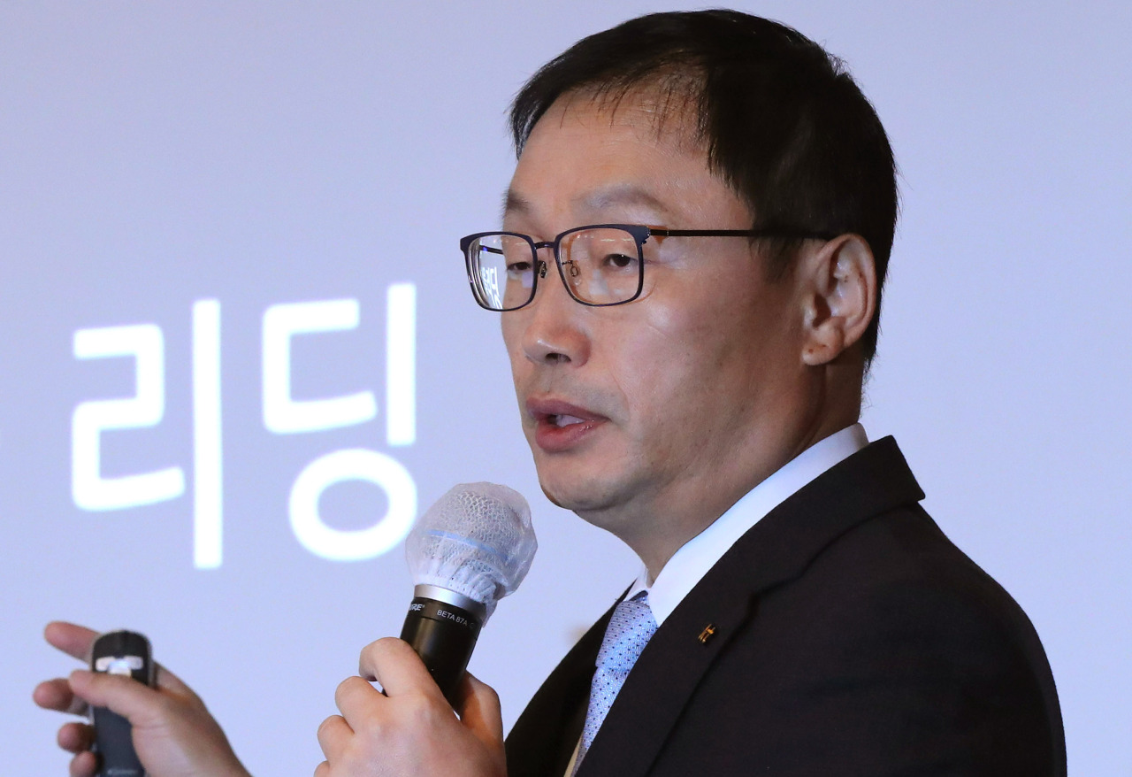 KT CEO Ku Hyeon-mo speaks during a press conference held at Grand InterContinental Seoul Parnas, Wednesday. (Yonhap)