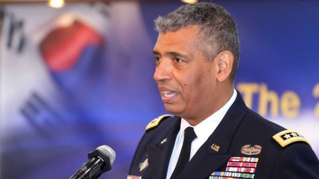 Gen. Vincent Brooks, commander of the ROK-US Combined Forces Command from 2016-2018. (Yonhap)