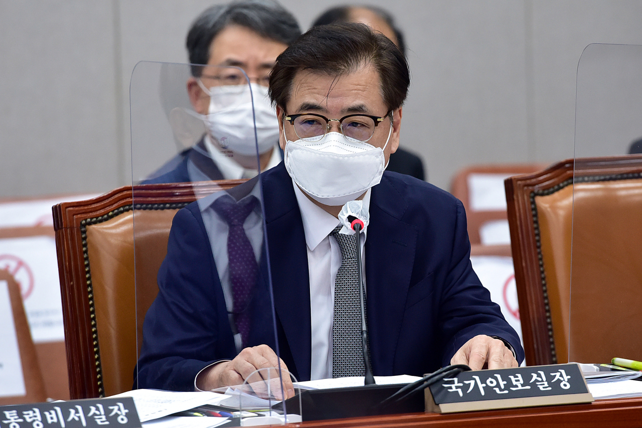This file photo shows Suh Hoon, director of Cheong Wa Dae's national security office. (Yonhap)