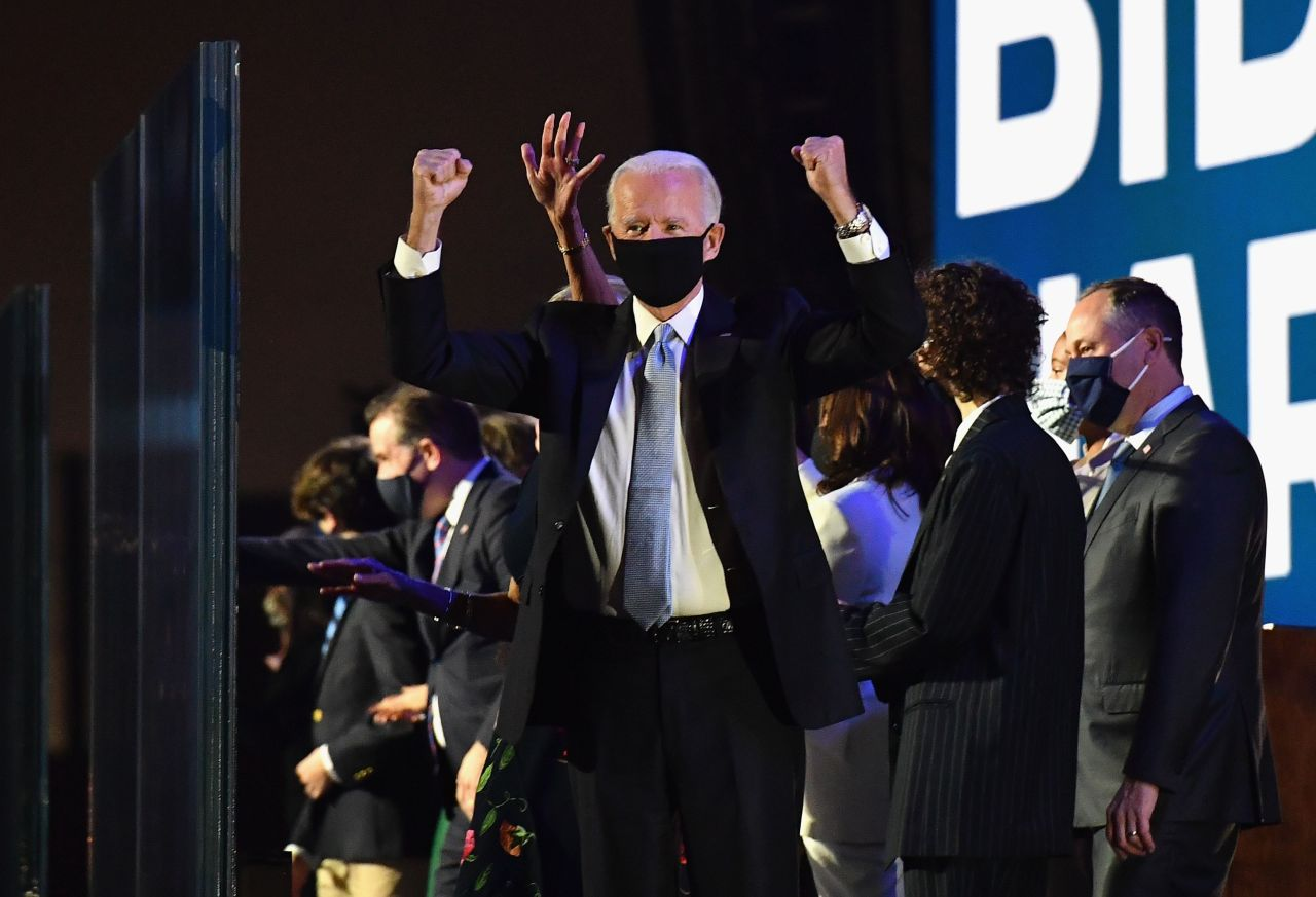 President-elect Joe Biden gestures to the crowd after he delivered remarks in Wilmington, Delaware, on Saturday. (AFP-Yonhap)