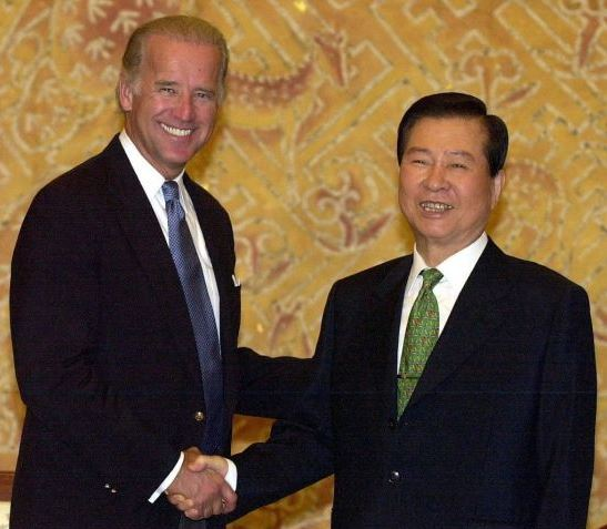 US President-elect Joe Biden meeting with then South Korean President Kim Dae-jung at Cheong Wa Dae in Seoul in August 2001. (Yonhap)