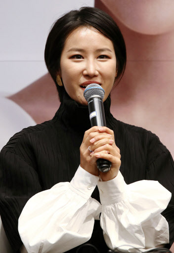 Soprano Park Hyesang speaks at a media session in Seoul Tuesday (Yonhap)