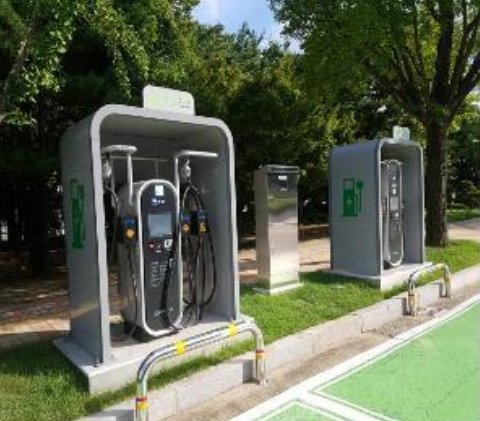 This photo, provided by the National Assembly Secretariat on Friday, shows electric vehicle charging stations at the assembly complex in Seoul. (National Assembly Secretariat)