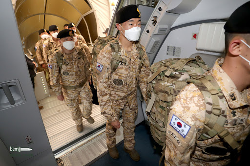 This photo provided by the Ministry of National Defense shows troops departing for the United Arab Emirates on June 30, to replace members of the South Korean Akh special forces unit stationed in the Arab nation. (Ministry of National Defense)