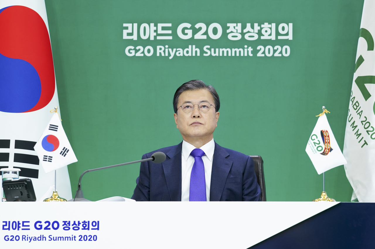 President Moon Jae-in attends the G-20 Summit on Sunday. (Yonhap)