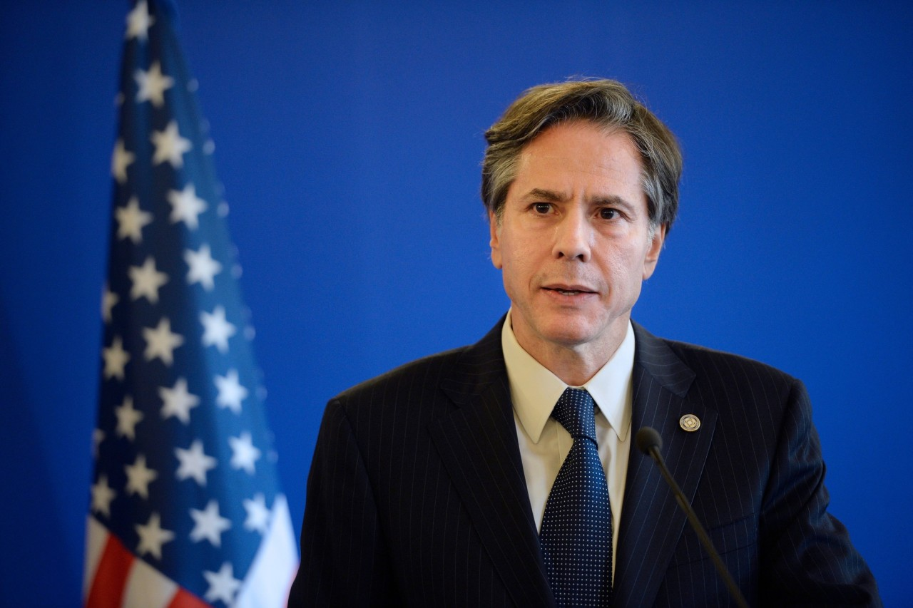 In this file photo, former US Deputy Secretary of State Antony J Blinken gives a joint press conference following a meeting with Foreign Affairs member of the anti-Islamic State coalition on June 2, 2015, in Paris. (AFP-Yonhap)