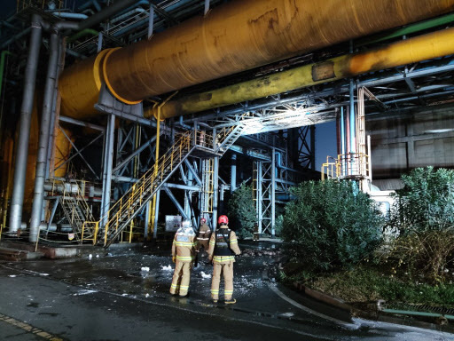 An explosion occurred at a plant operated by Posco in Gwangyang. (Yonhap)
