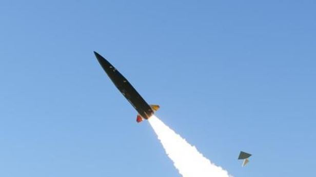 An indigenous tactical surface-to-surface missile. (Agency for Defense Development)