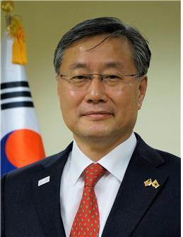 Kim Yong-hyon, new presidential secretary for foreign policy (Cheong Wa Dae)