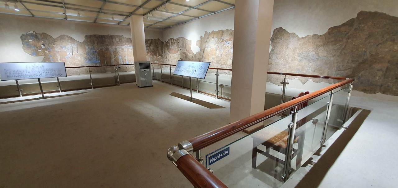 This exhibition space within the Afrasiab Museum has been modernized as part of the Korea Cultural Heritage Foundation's ODA project in Uzbekistan. (Korea Cultural Heritage Foundation)