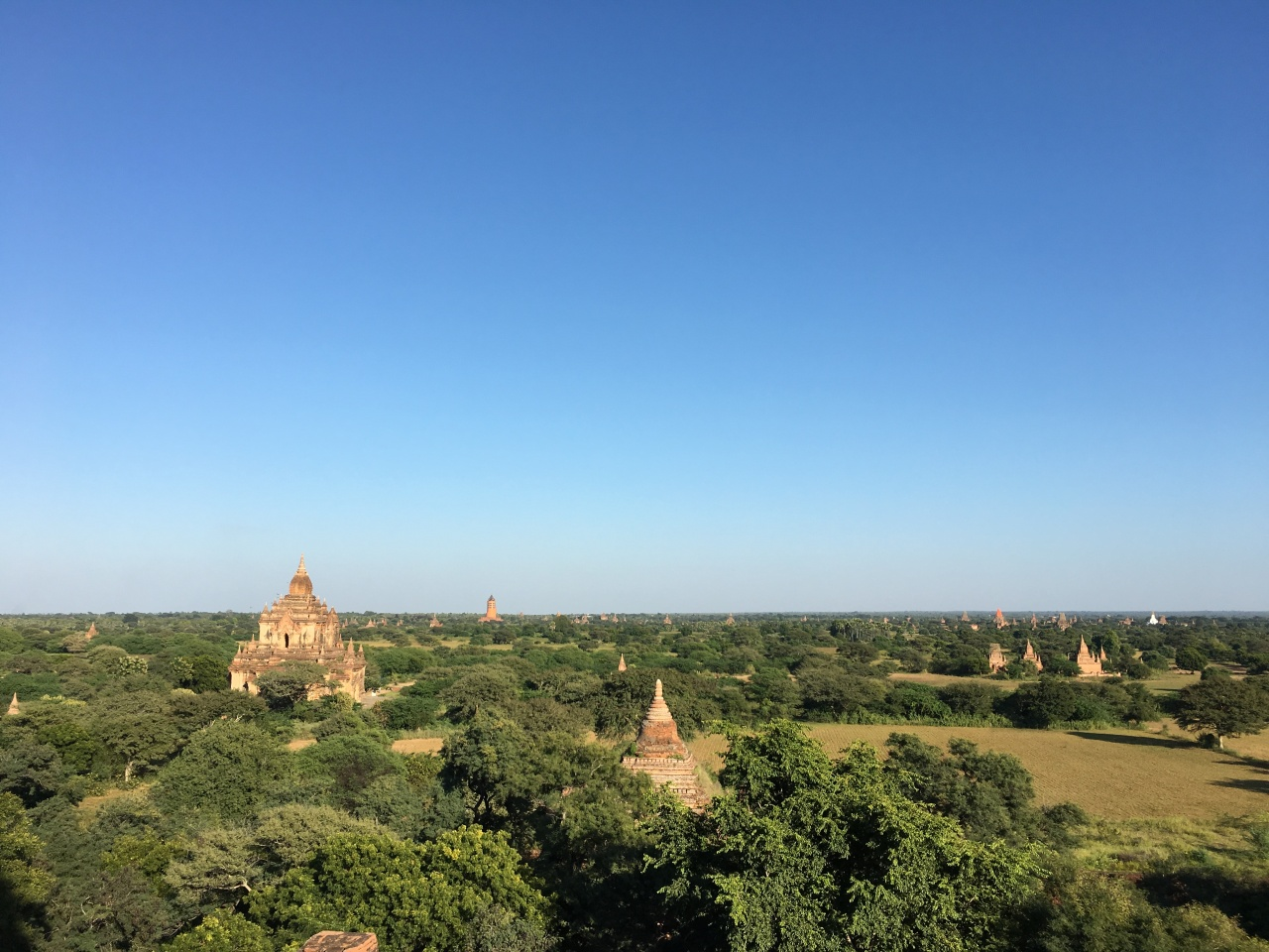 Earthquake-damaged Buddhist temples located in Bagan, Myanmar (Korea Cultural Heritage Foundation)