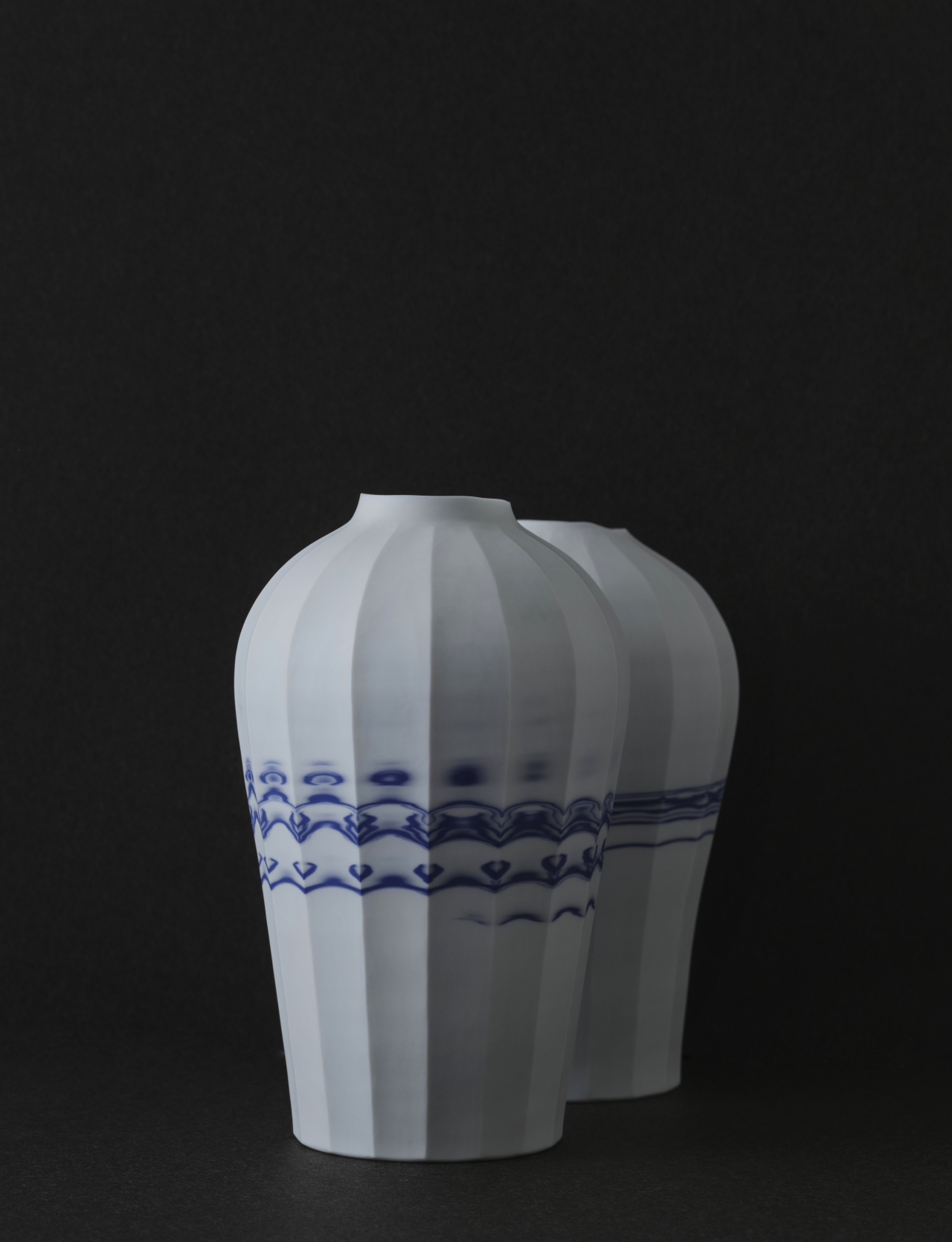 Vestige Blue-White collection by Kim Deok-ho (Yeol Korean Heritage Preservation Society)