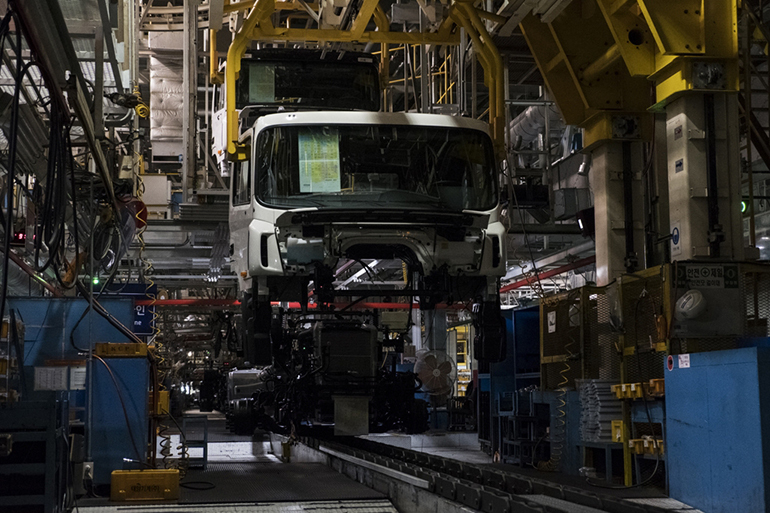 The truck assembly line at its Jeonju plant. (Hyundai Motor Co.)