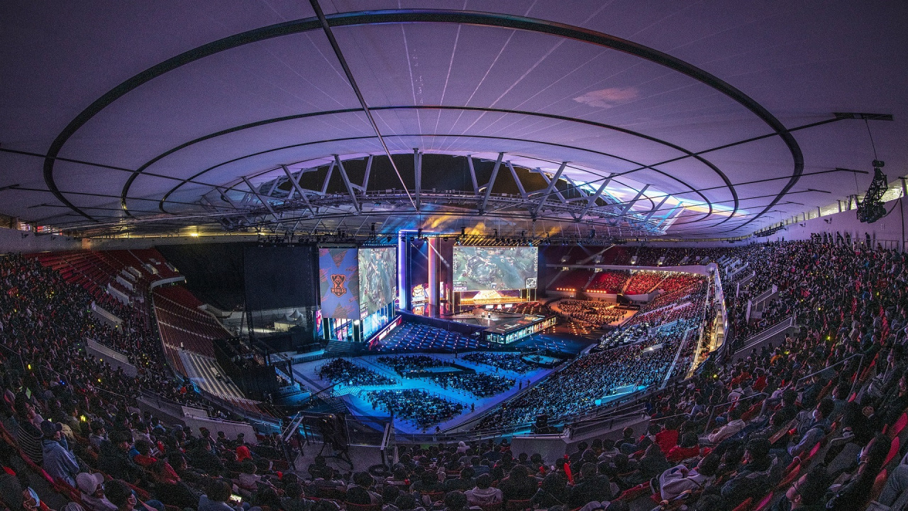 Finals for 2020 LoL World Championships held in Shanghai Pudong Football Stadium in Oct. 31. (Riot Games)
