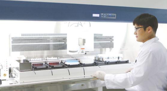 Celltrion researcher (Celltrion)
