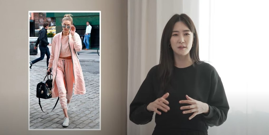 Fashion model Jung Si-hyun explains two-mile wear in her YouTube channel Passion Model. (YouTube screen capture)
