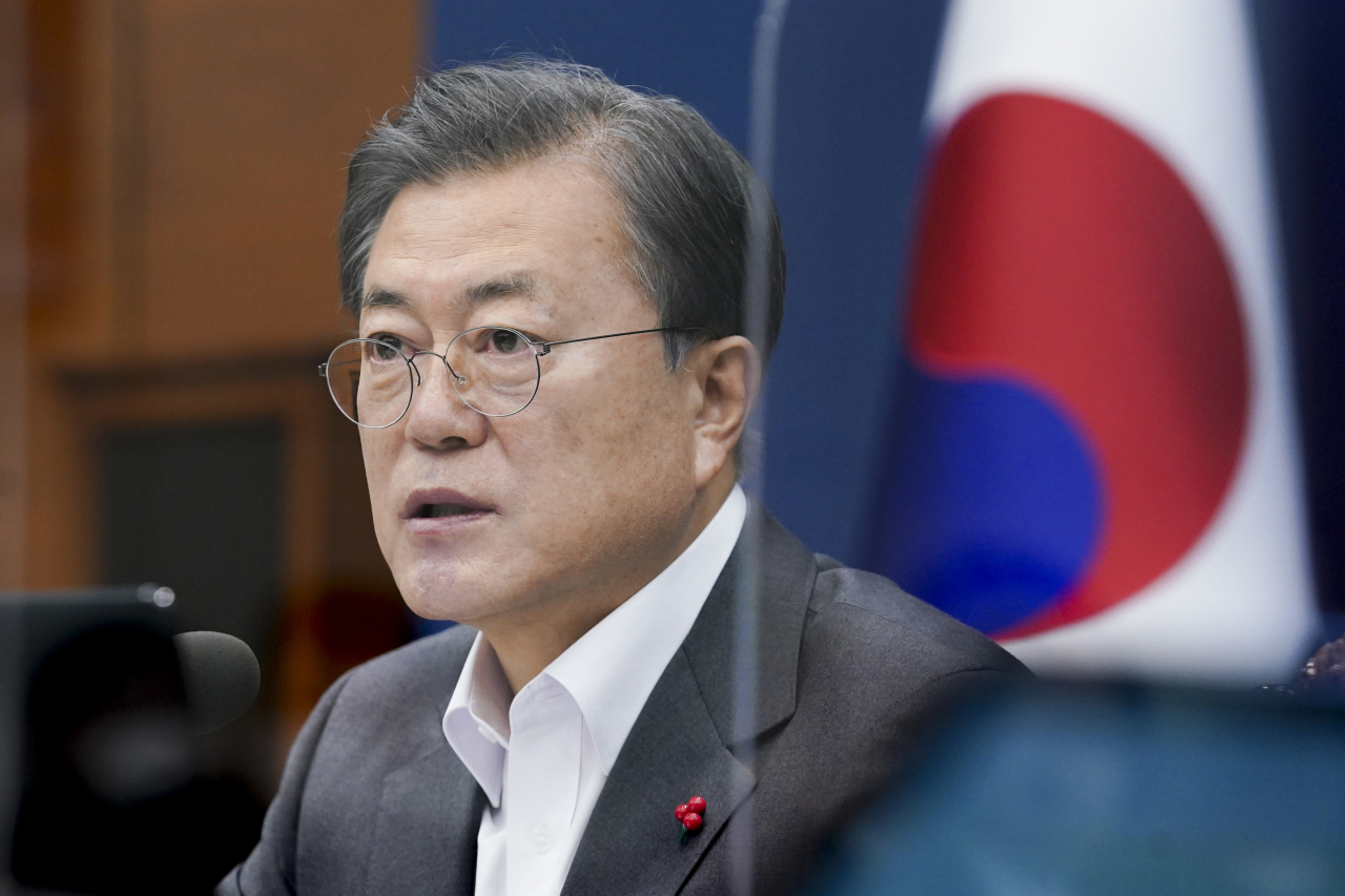 President Moon Jae-in speaks during a weekly Cabinet meeting at Cheong Wa Dae in Seoul on Tuesday. (Yonhap)