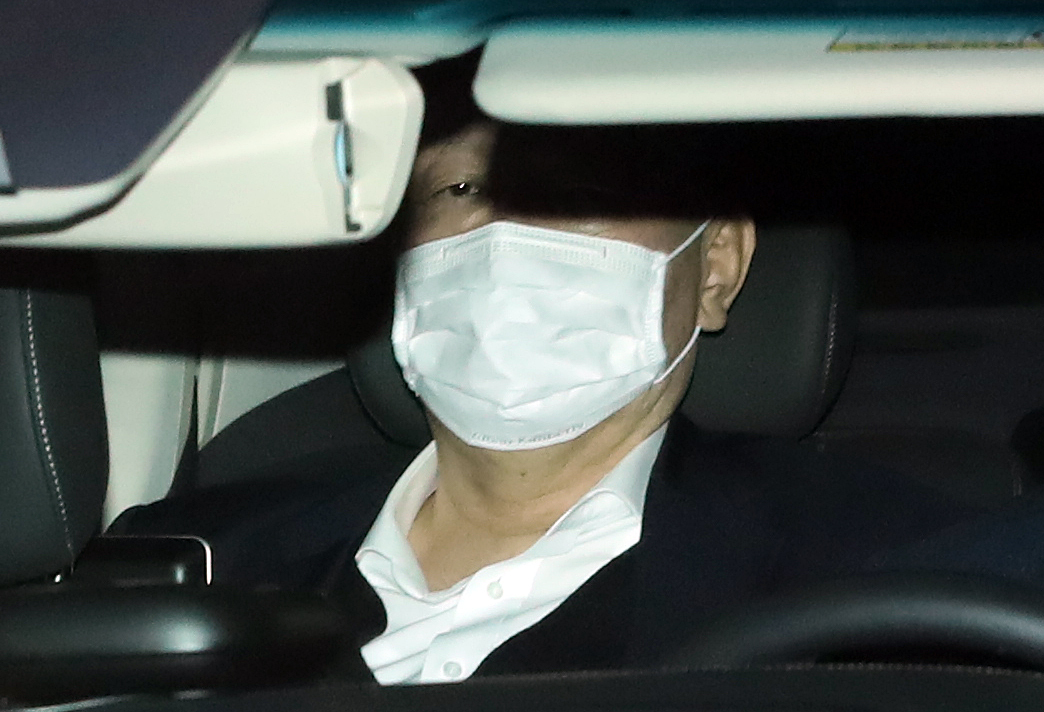 Prosecutor General Yoon Seok-youl leaves his office in southern Seoul after work on Wednesday. (Yonhap)