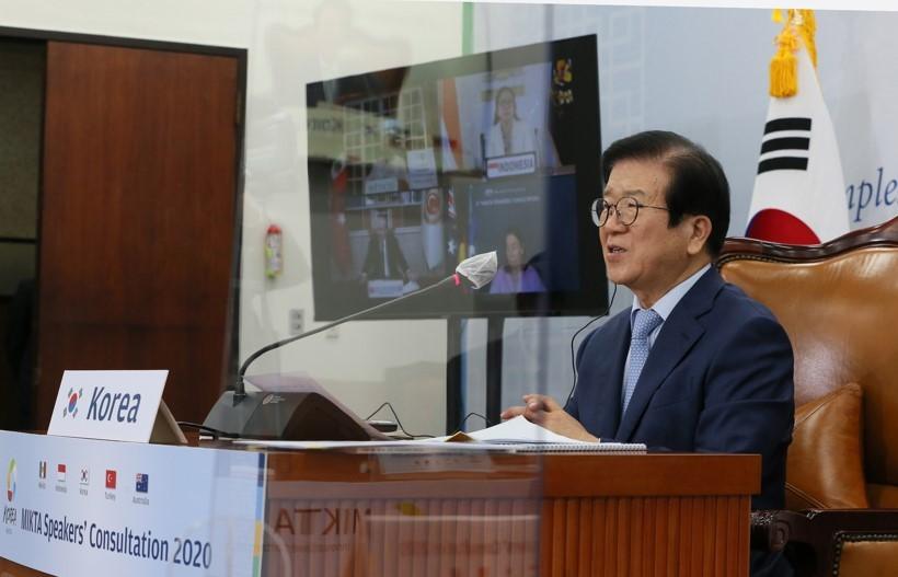 Speaker Park Byeong-seug hosts the 6th MIKTA Speakers' Consultation. (Yonhap)