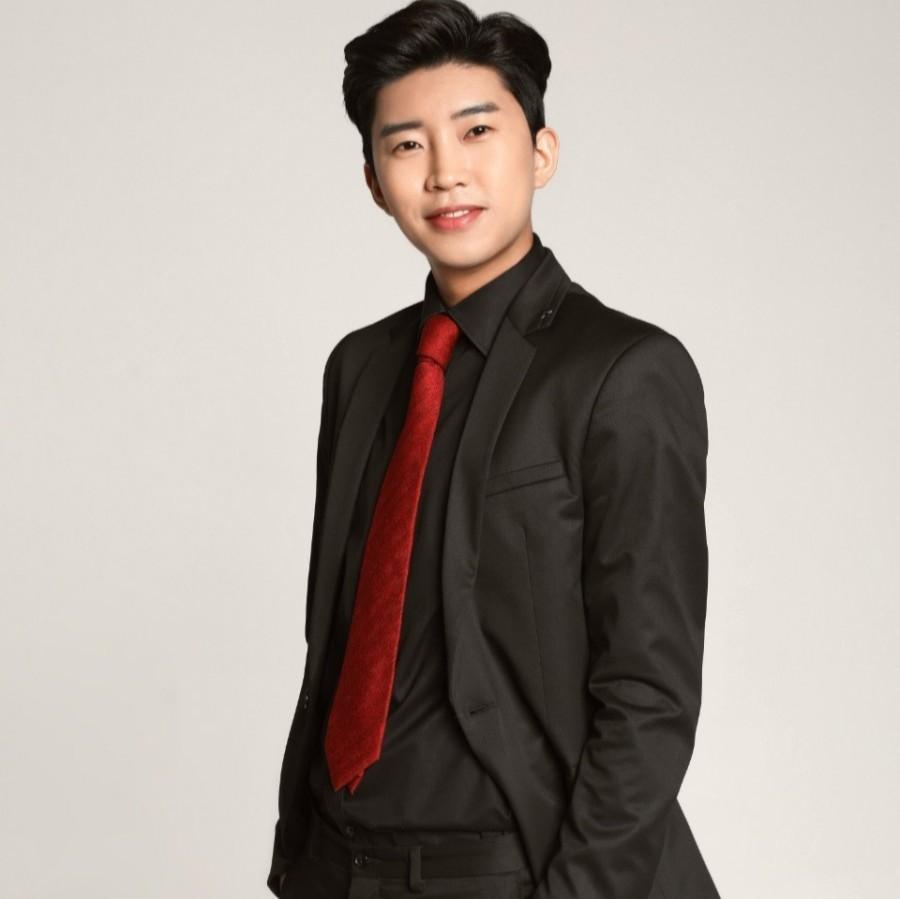 Trot singer Lim Yeong-woong (Mulgogi Music)