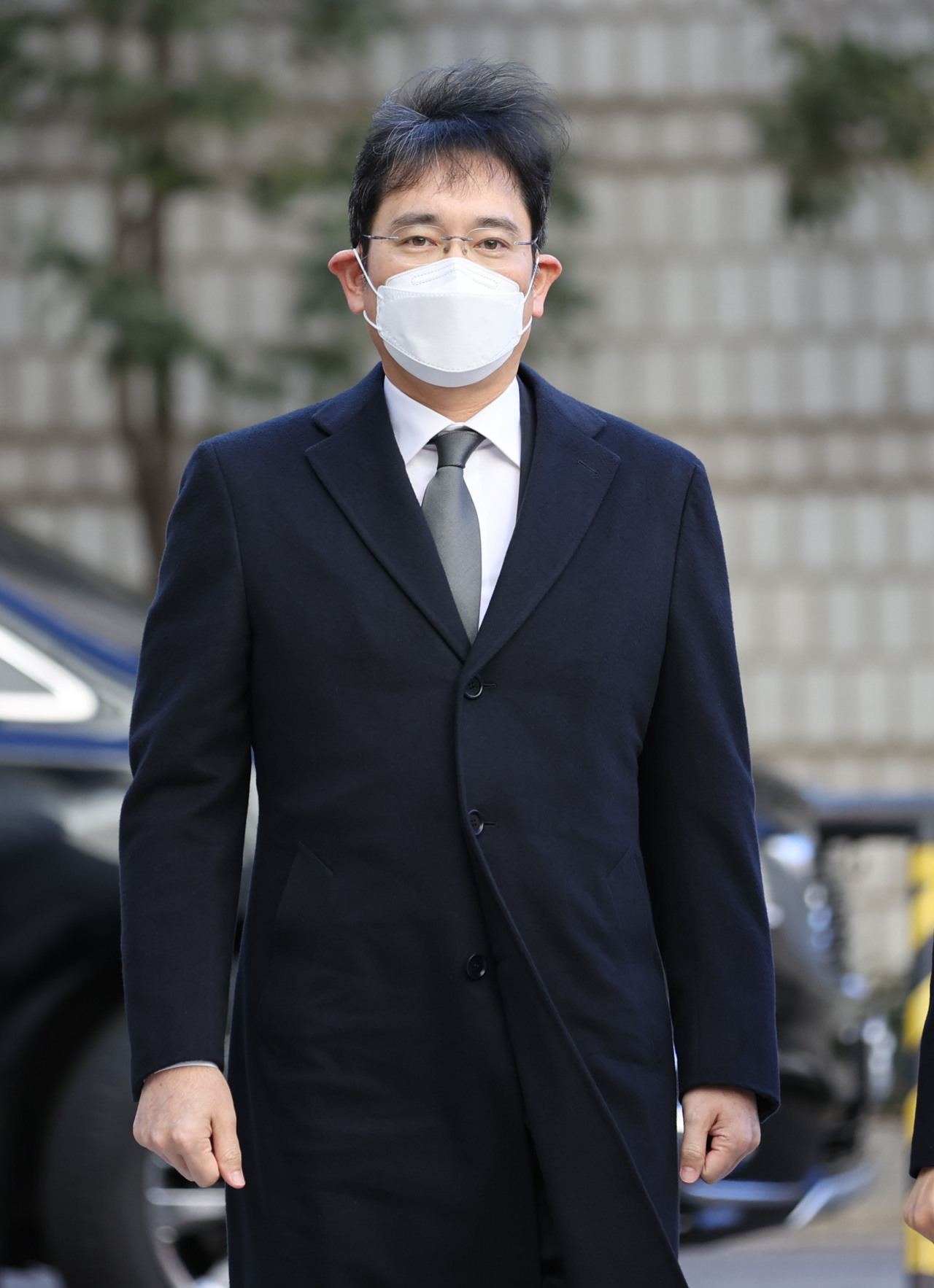 Samsung heir Lee Jae-yong arrives in Seoul High Court on Wednesday. (Yonhap)