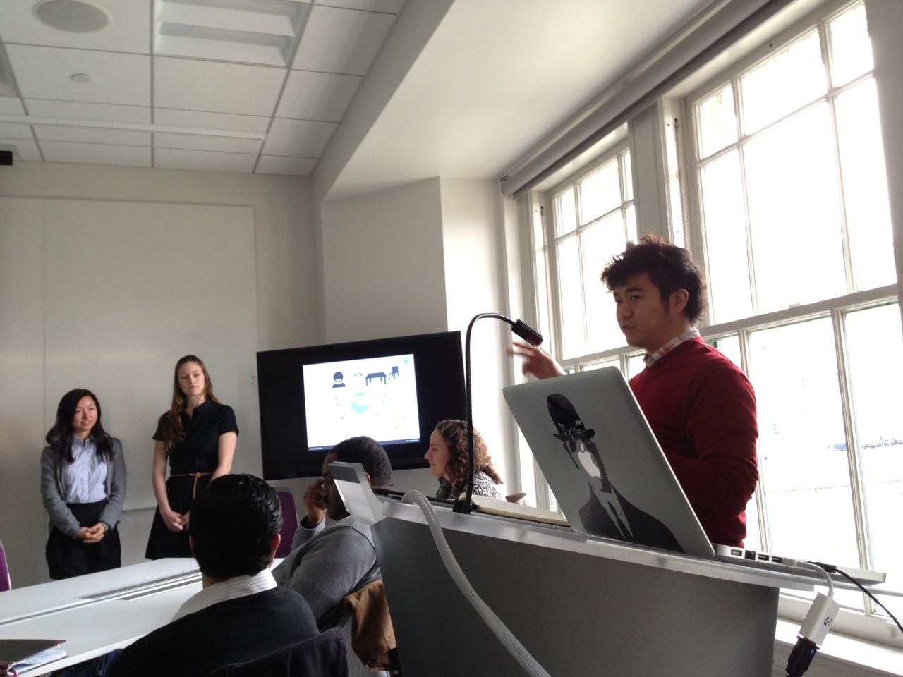 Han presents his research at Carnegie Mellon University. (Han Seung-heon)