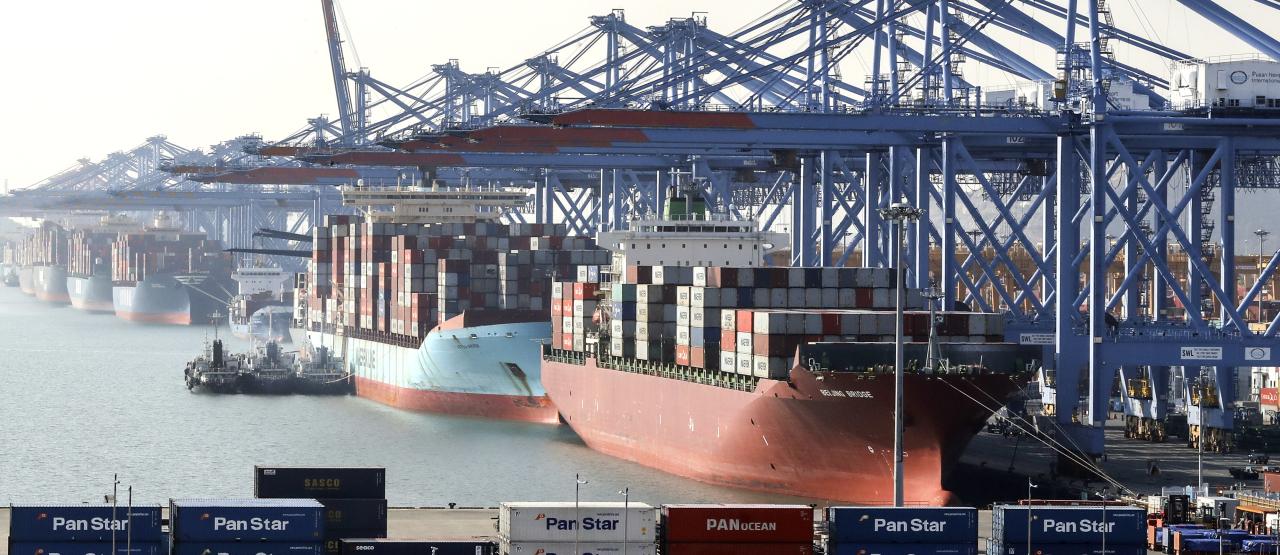Vessels sit anchored in Gamman Terminal at Busan Port, South Korea's main gateway for exports. (Yonhap)