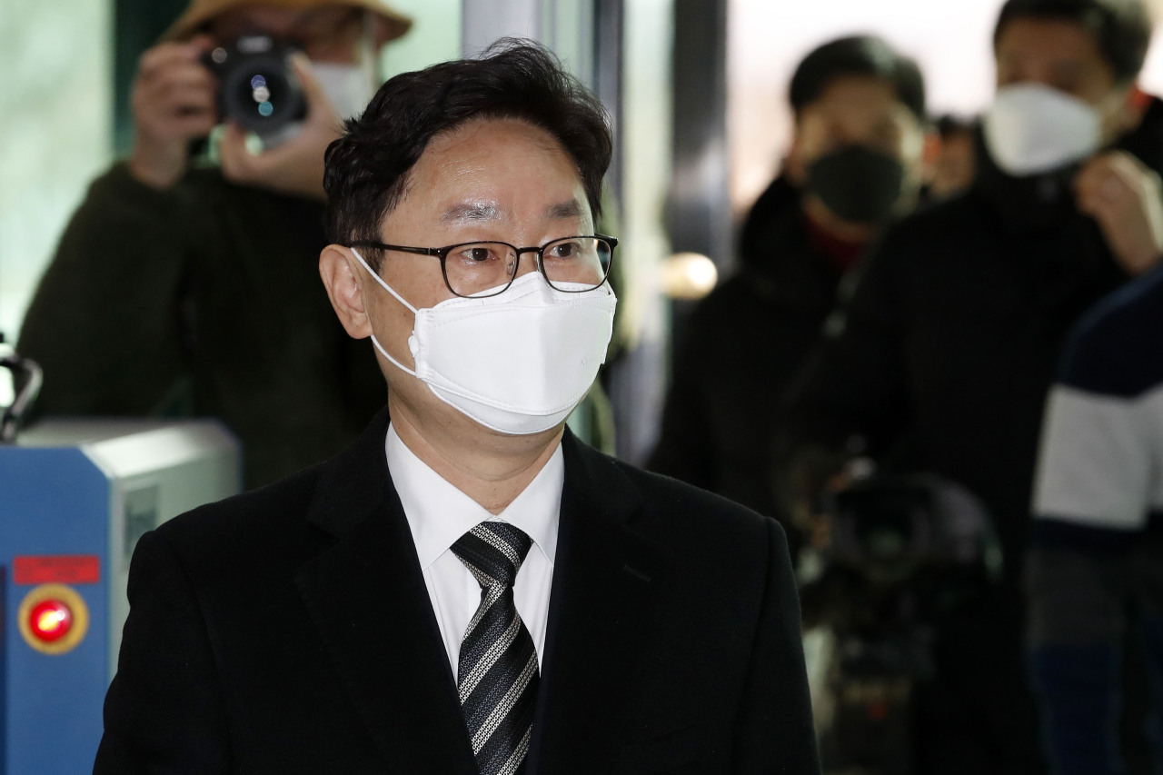 Justice minister nominee Park Beom-kye heads to his office on Monday. (Yonhap)