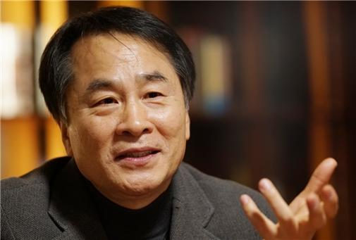 Lee Seung-u (Munhaksasang)