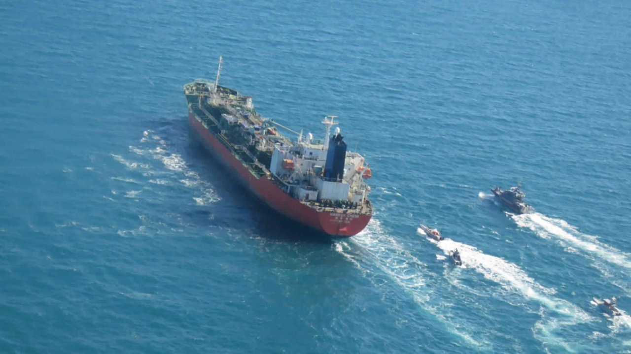 In this photo released by Tasnim News Agency, Iranian forces seized a South Korean tanker in the Persian Gulf of Monday. (AP-Yonhap)