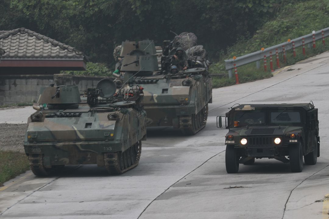 In this file photo, South Korean and U.S. military vehicles move during a training at the Rodriguez Live Fire Complex in the city of Pocheon, Gyeonggi Province, on Sept. 19, 2017. (Yonhap)