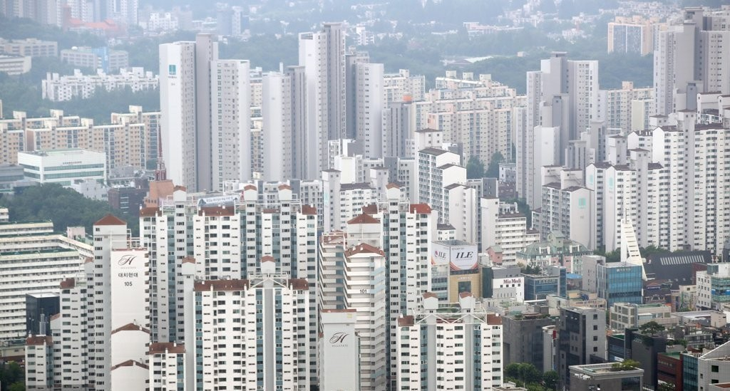 Apartment buildings in Gangnam, southern Seoul (Yonhap)