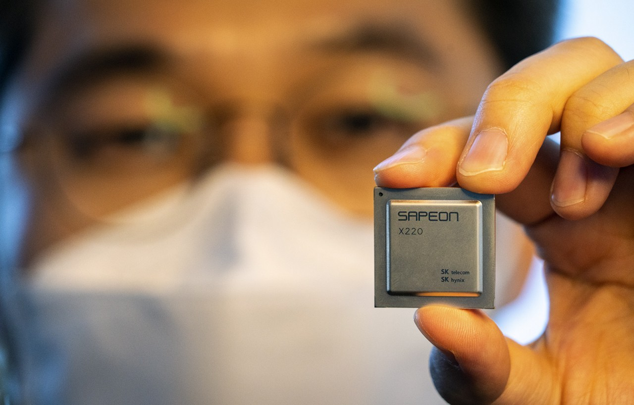 This photo, provided by SK Telecom Co. on Nov. 25, 2020, shows the company's neural processing unit, the SAPEON X220. (SK Telecom)