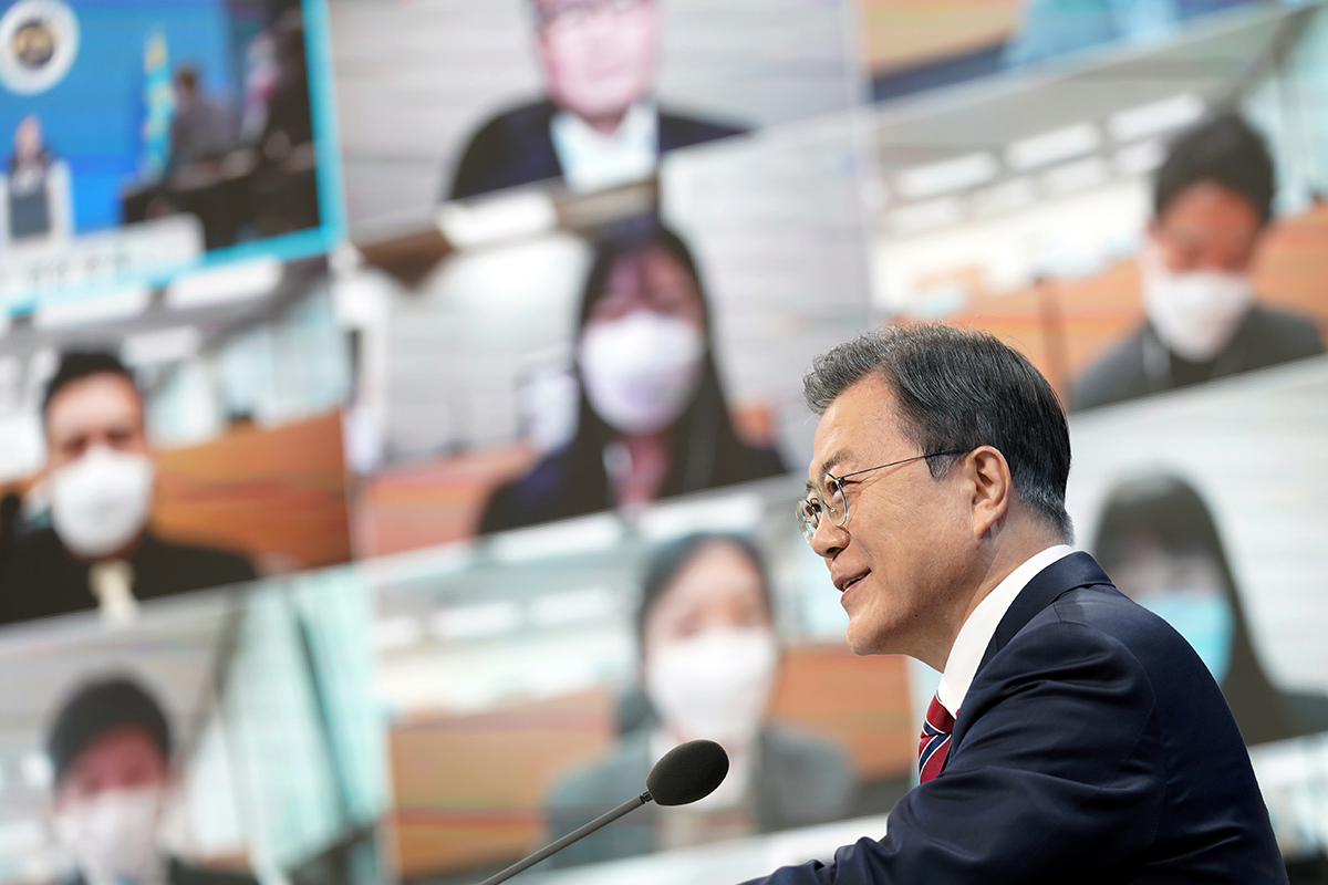 President Moon Jae-in speak at his New Year's press conference at Cheong Wa Dae in Seoul on Monday. (Cheong Wa Dae)